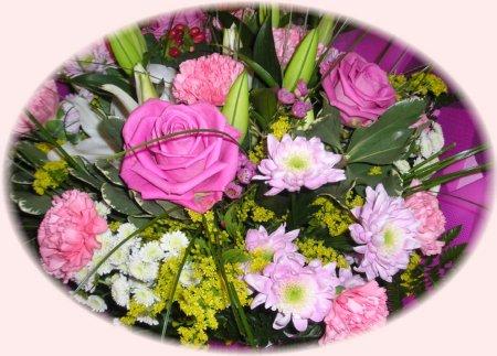 La Multi Ani de ziua Florilor !